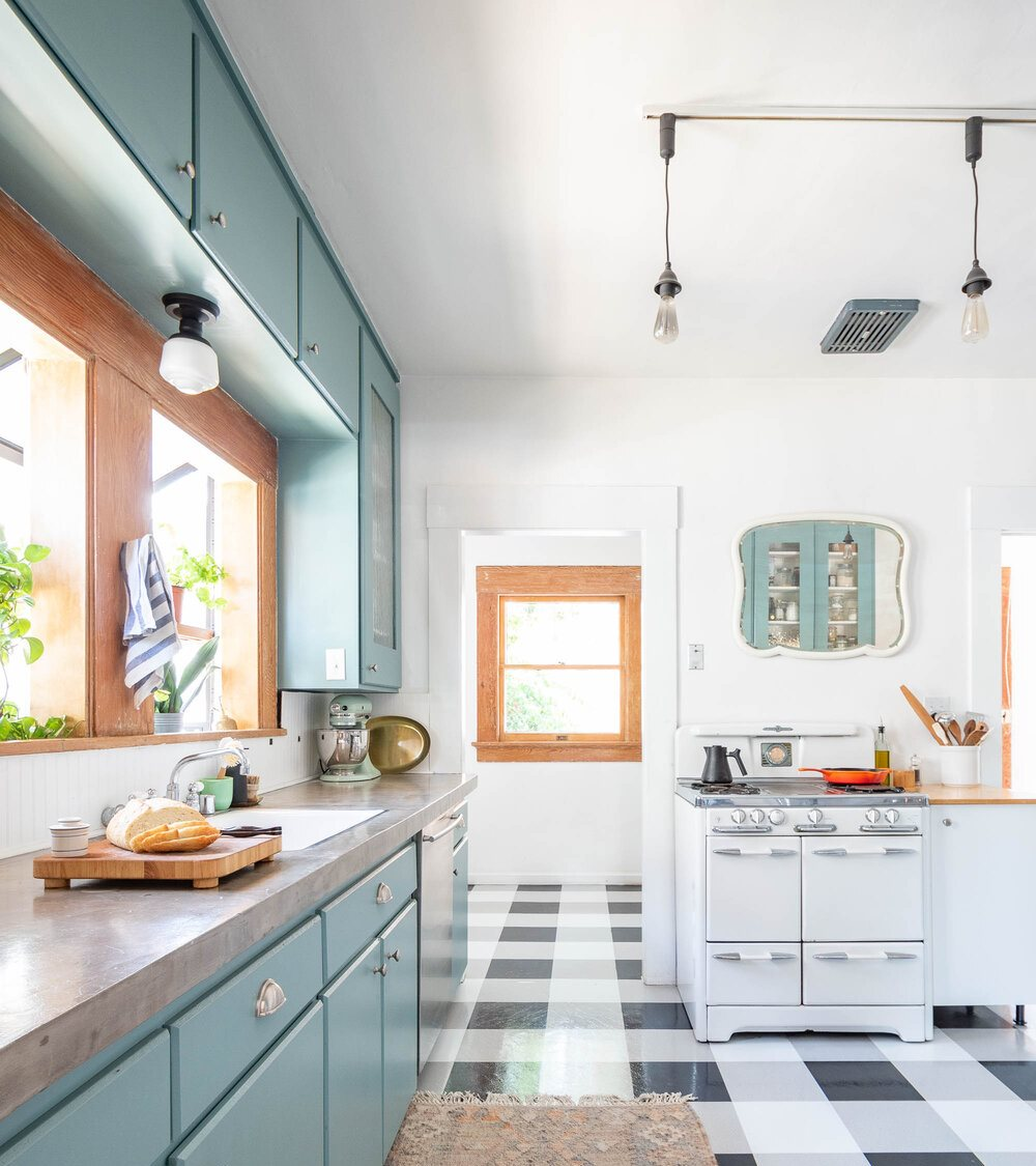 The+Gold+Hive+$600+Kitchen+Makeover+Craftsman+Bungalow+Retro+Style-2-6