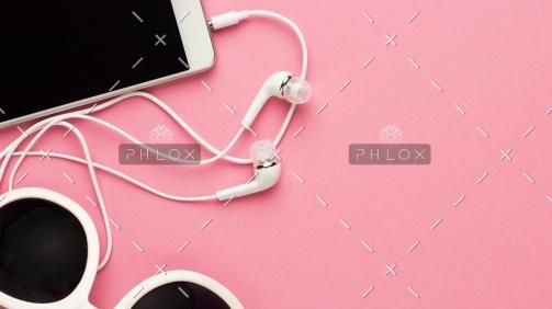 demo-attachment-780-studio-shot-of-white-accessories-on-pink-back-7E4JTGC@2x
